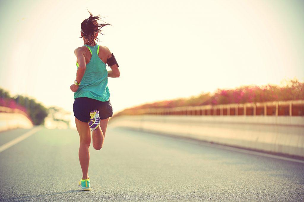 1200-woman-running-on-road-1024x683 Krásne nohy do jarných šiat? Skúste naše triky!