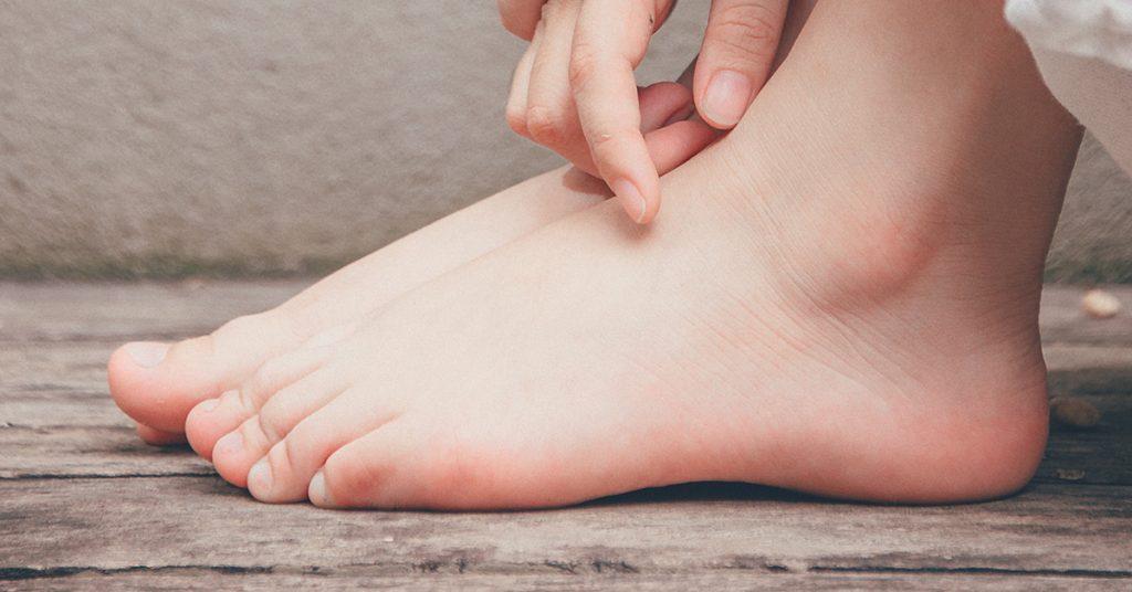 nohy-1024x536 Aké zdravotné problémy dokáže odstrániť chôdza?